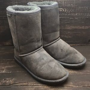 Minnetonka Women's Olympia Boots Size 8